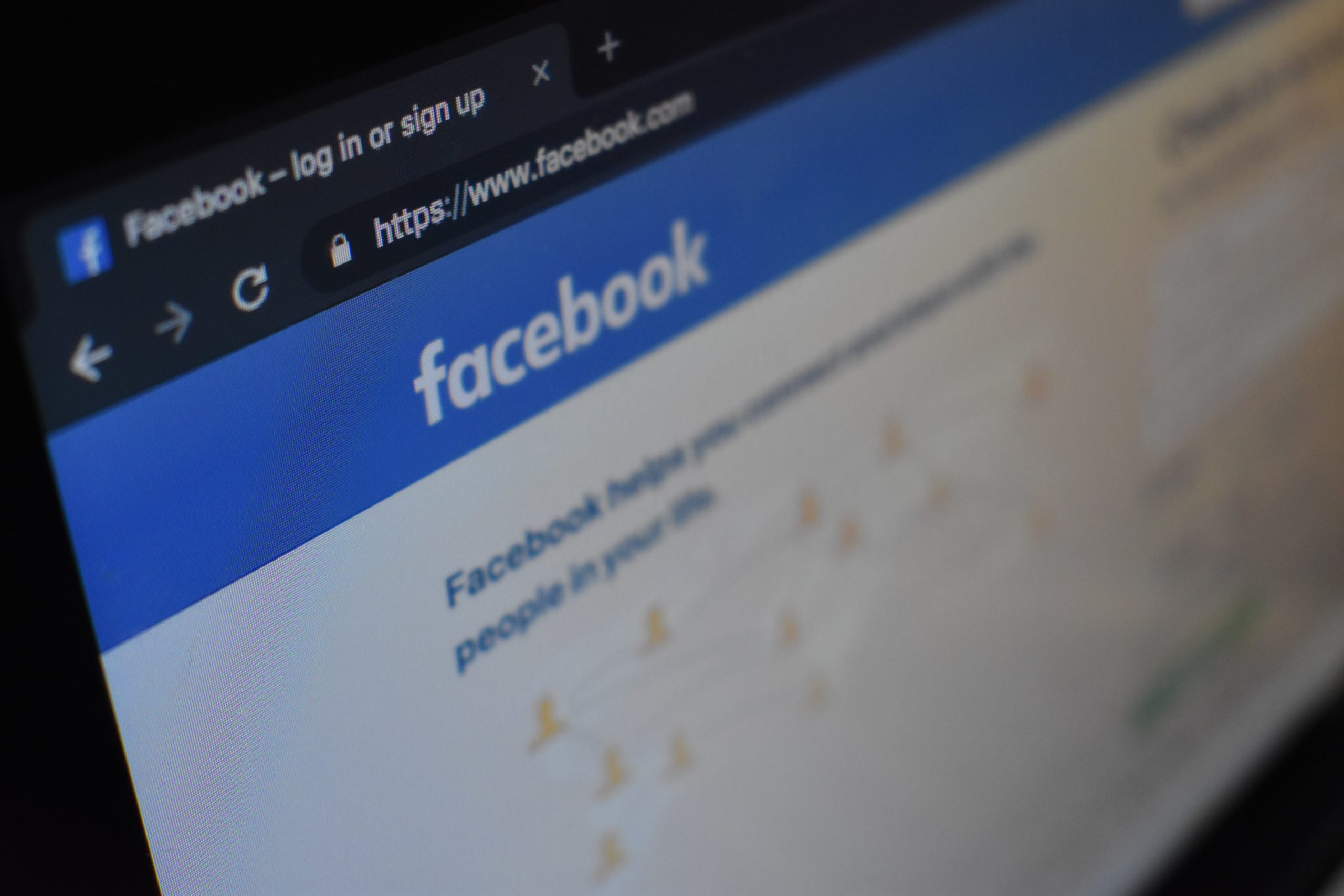 Facebook introduces a warning about false information about coronavirus